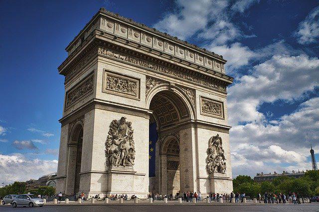 arc-de-triomphe-5432392_640_640x427