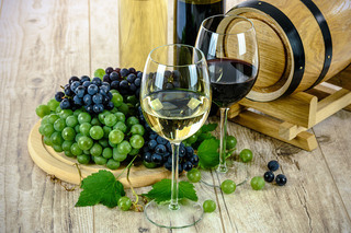 two-types-of-wine_640