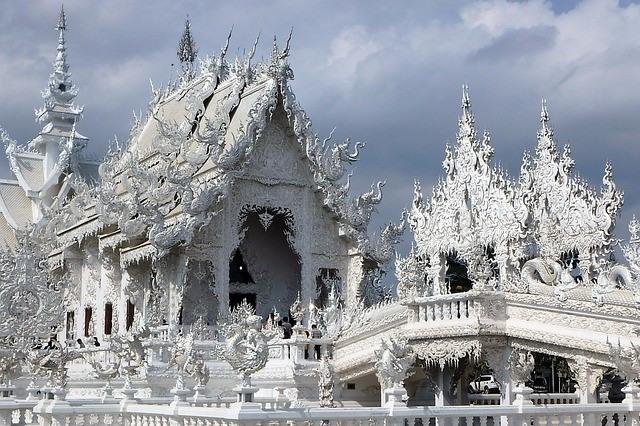 white-temple-640_640x426